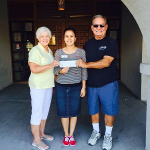 Marilyn and Ron Stiller presented 1000 to Lake Havasu Fook Bank
